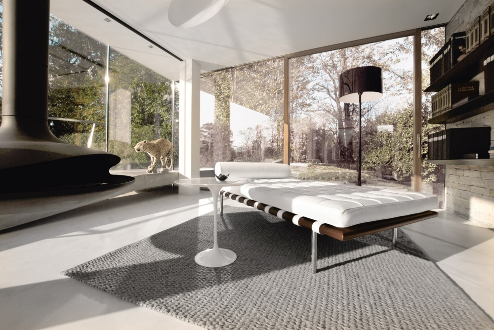 BARCELONA® COUCH BY LUDWIG MIES VAN DER ROHE 1930