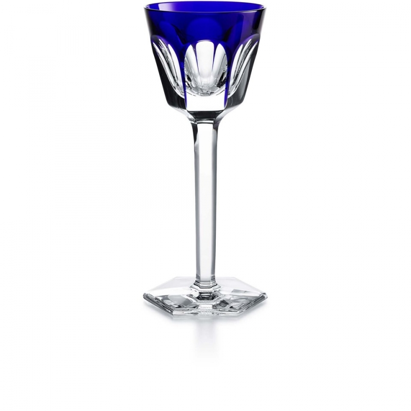 The HARCOURT 1841 RHINE wine glass showcases not only the characteristic architectural form of Baccarat's famous HARCOURT 1841 collection, but also a play on light and color thanks to an overlay of bright crystal. The stunning flat-cut pattern of the bowl, which sits atop a tall lean stem, is crested with a translucent coat of splashy crystal. The graceful HARCOURT 1841 form is enhanced from every angle by the vivid hue, giving it depth and panache. The RHINE wine glass adds a modern and cheery flourish to the grand history of this storied collection.