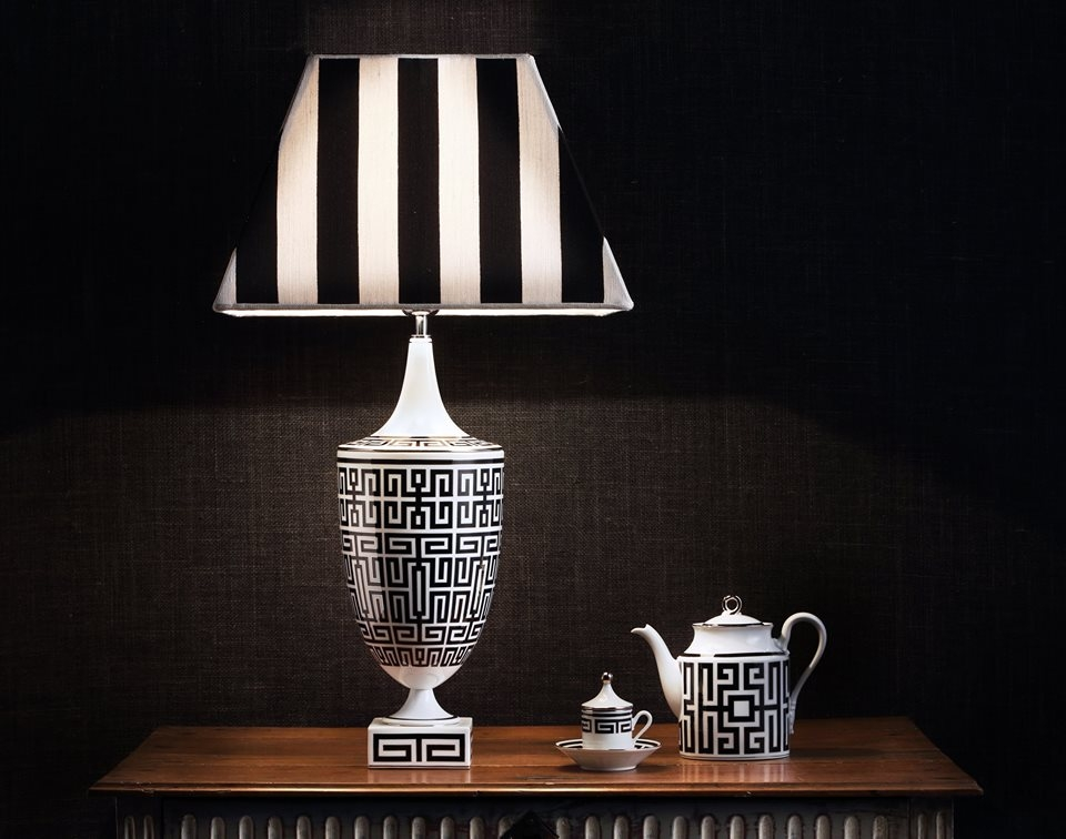 PORCELAIN TABLE LAMP and TABLEWARE LABIRINTO by GIÓ PONTI