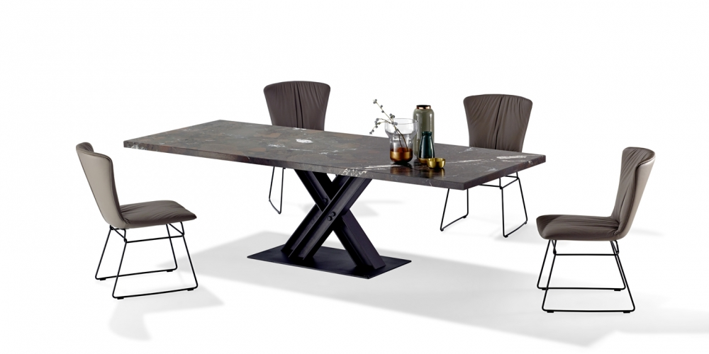 DINING TABLE VICTOR 1470 BY WOLFGANG C. R. MEZGER 2017