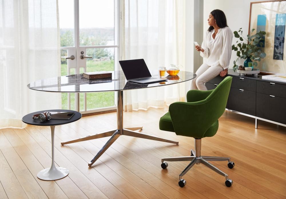 SAARINEN EXECUTIVE arm chair with swivel base , FLORENCE KNOLL table desk 1961 , SAARINEN side table 1957.
