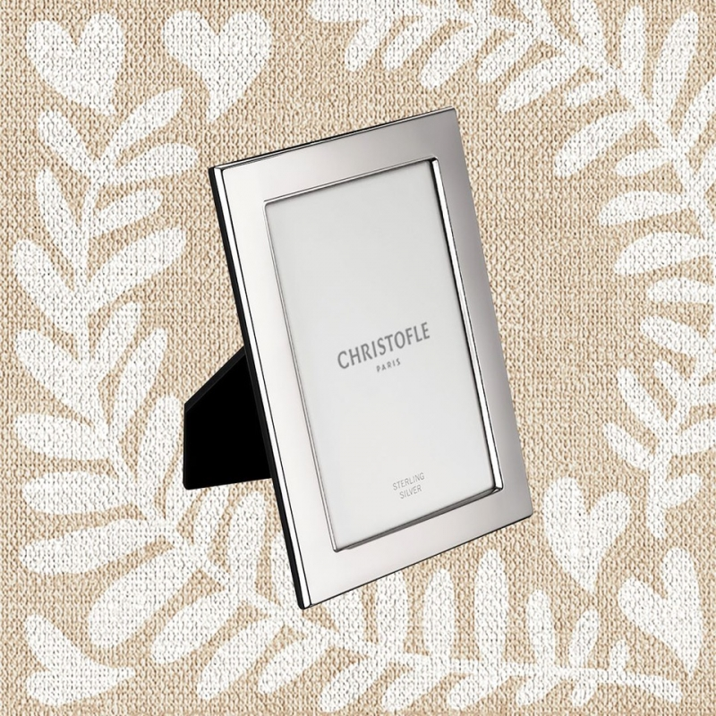 FIDELIO sterling silver picture frame for 10 x 15 cm photos. Price 200€