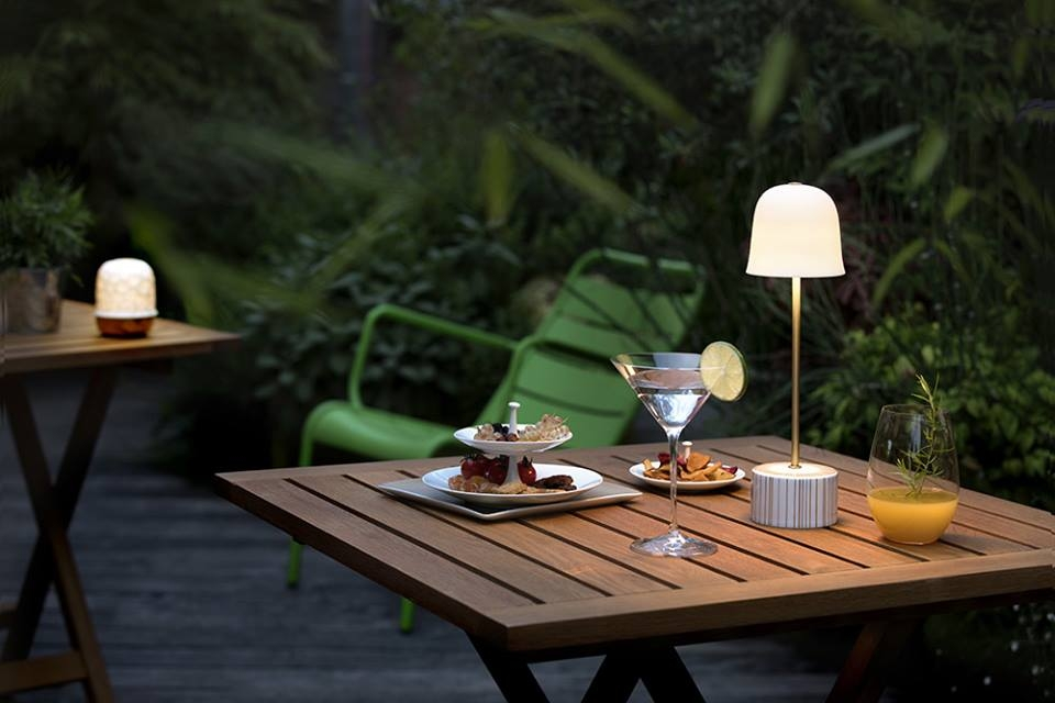 CAMPANULE LED LAMP IS IDEAL FOR USE INDOORS OR OUTDOORS TO LIGHT GARDEN TERRACES, ARBORS, BEDSIDE TABLES