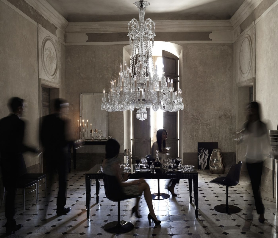Crystal chandelier 48 lights ZÉNITH.Available in 2 Sizes and the number of lights ranges  from 6 to 24.