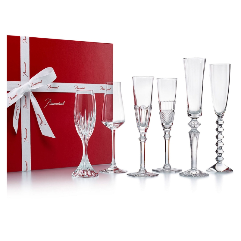 BUBBLE BOX. Champagne, Royal Mojito or Bellini, amaze your guests and give your parties a real buzz all night long. The ideal gift to add a little sparkle to life. This box contains 6 flutes: a MILLE NUITS, VEGA, HARCOURT EVE, DIAMANT, CHÂTEAU Baccarat and a MASSENA. Price €880
