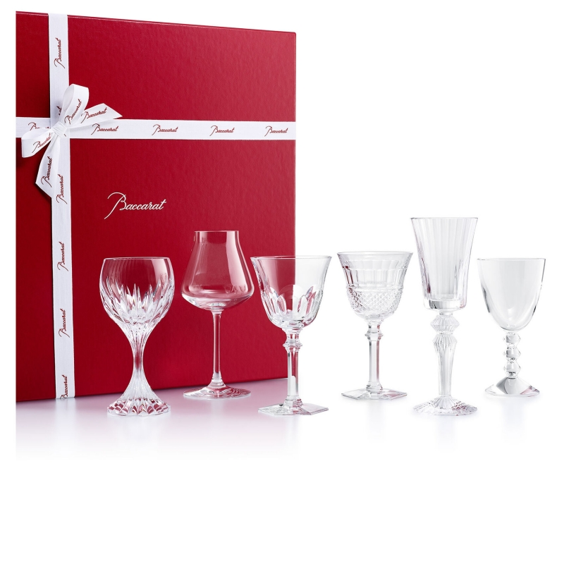 WINE THERAPY set. A selection of 6 iconic glasses from the House of Baccarat to taste fine wines and savor those precious moments each day. Whatever your personality there is a glass. This box contains 6 glasses: a HARCOURT EVE , DIAMANT EVE , CHÂTEAU BACCARAT , MASSENA , VEGA  and a MILLE NUITS. Price €880