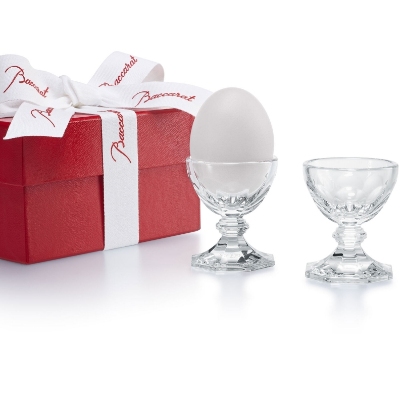 HARCOURT eggholder. True to its modernity, HARCOURT, the king of glasses, becomes an egg holder. A small object of desire to give your eggs allure and delight design fans. So chic! Price €150