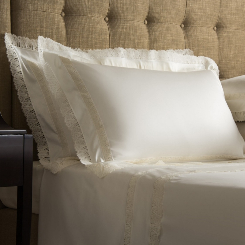 FOR THE FINEST NIGHT'S SLEEP, FRETTE PILLOW FILLERS CAN TURN YOUR BED INTO THE COSIEST OF NESTS