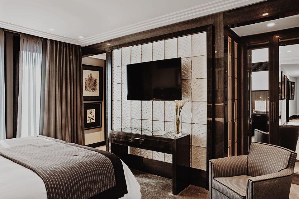 LALIQUE SUITE by PATRICK HELLMANN at HOTEL PRINCE DE GALLES, PARIS