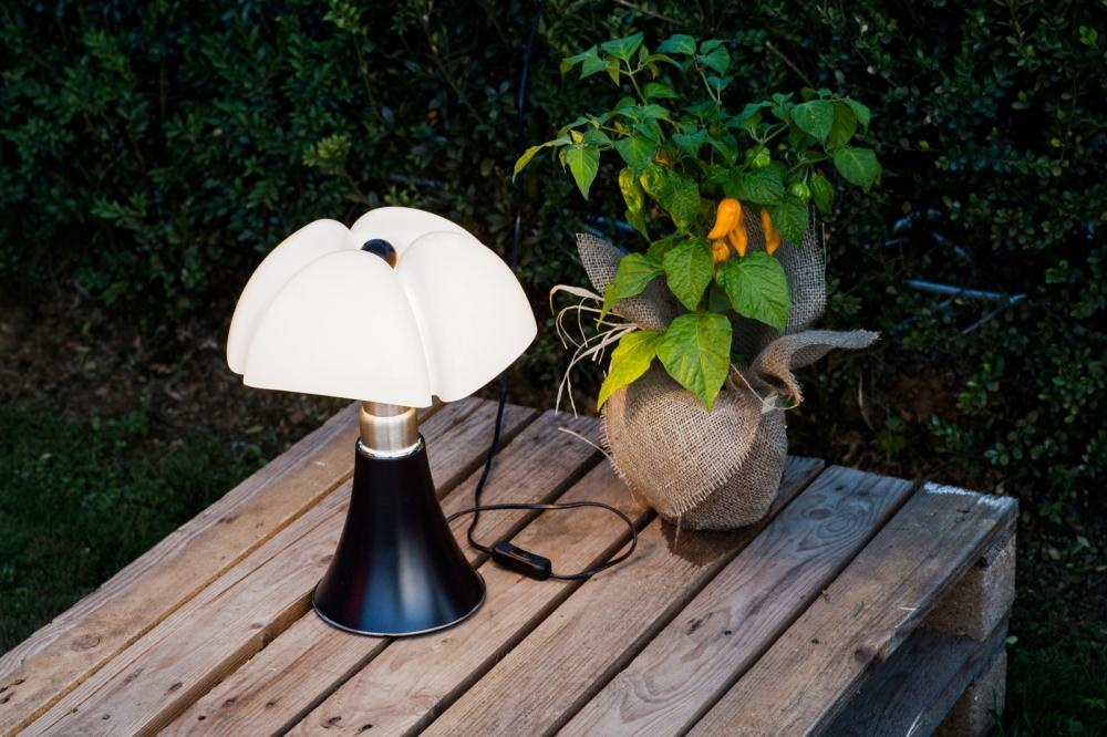 Table lamp MINIPIPISTRELLO - designer GAE AULENTI