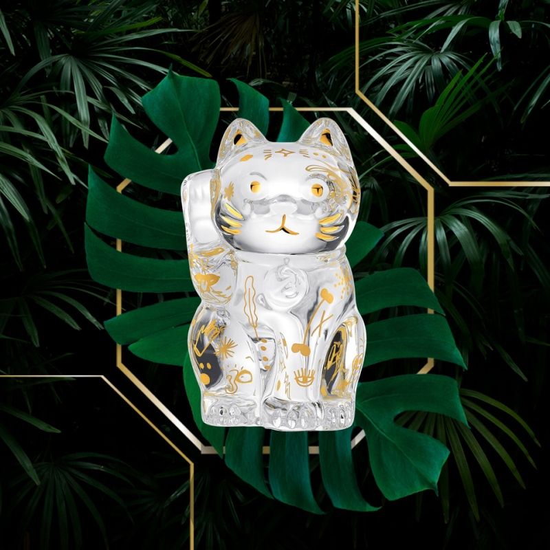 FAUNACRYSTOPOLIS CAT MANEKI NEKO. A traditional Japanese talisman, MANEKI-NEKO is the