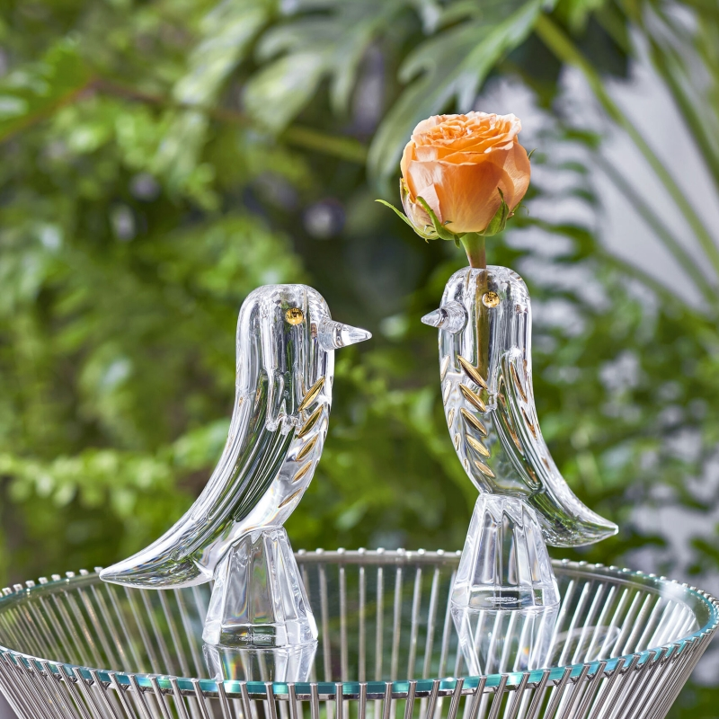 FAUNACRYSTOPOLIS BIRD bud vase. With or without a flower, the FAUNACRYSTOPOLIS BIRD BUD vase by JAIME HAYON is an irresistible object of seduction for all design lovers. Price €390