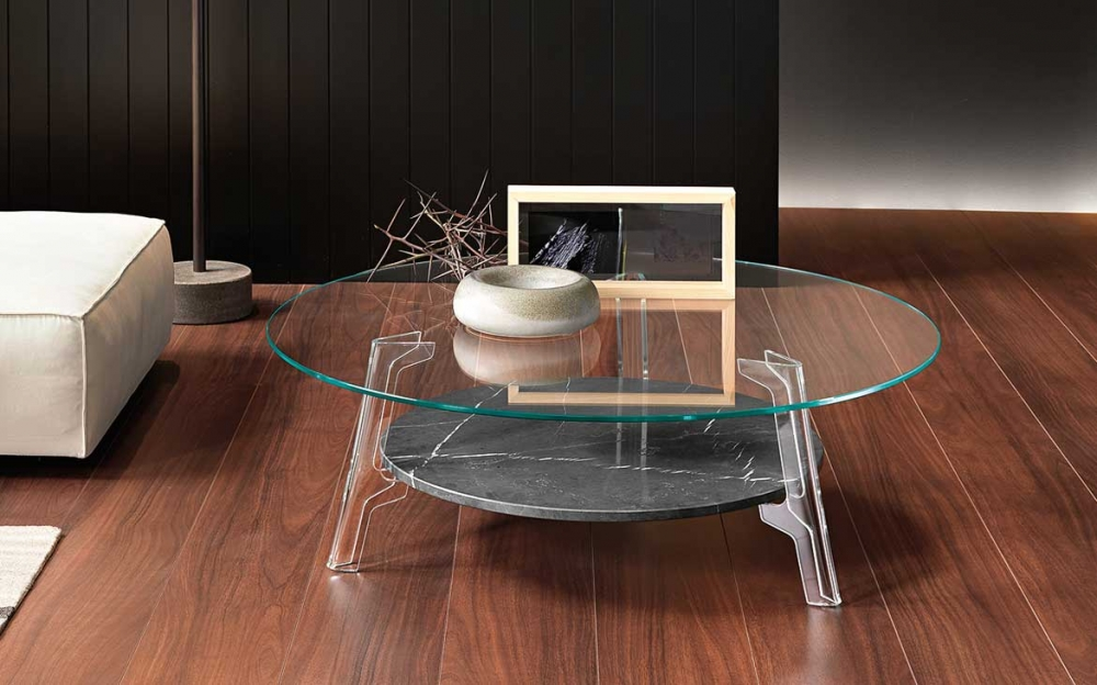 FLUTE COFFEE TABLE IN CURVED GLASS BY LUCIDIPEVERE