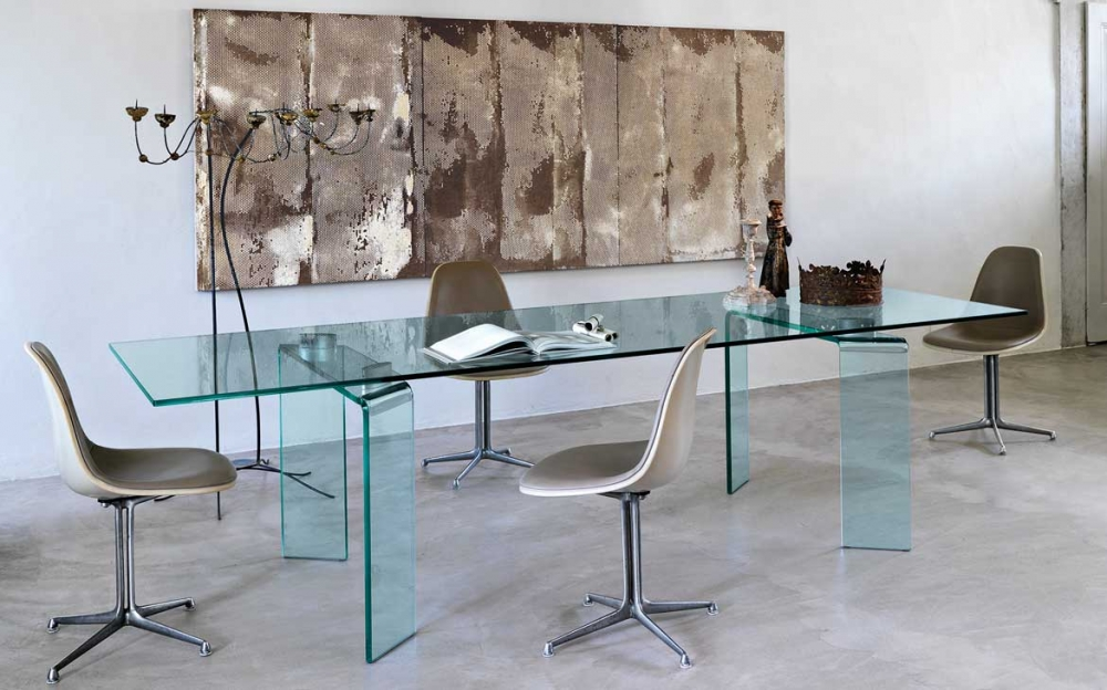 RAY TABLE IN CURVED GLASS BY BARTOLI DESIGN