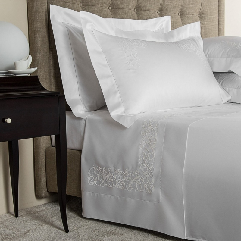 YOU'LL SLEEP EASY IN FRETTE'S BEAUTIFUL BED SHEET SETS, WITH LINENS THAT FEEL DECADENT AND DELICATE TO THE TOUCH