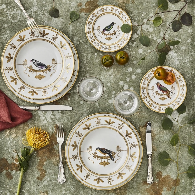 "The romantic ""VOLIÈRE"" dinnerware by RICHARD GINORI is a tableware set from the current collection‒ but looks like a service dating back to the Romantic Period. In the 1850s the Romantic Movement enjoyed an important role in society. It also had an impact on the development and shape of RICHARD GINORI's porcelain designs."