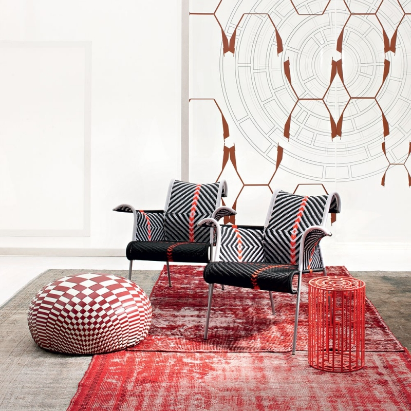 SMALL ARMCHAIRS IRIS – DESIGNER DOMINIQUE PETOT; ROUND OTTOMAN DEW AND STOOL KUB – DESIGNER NENDO