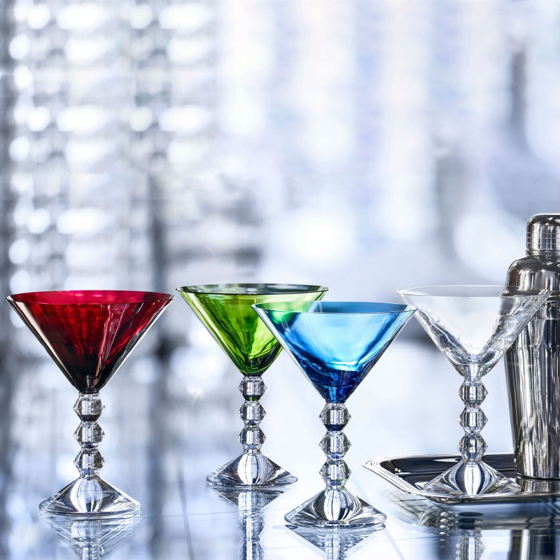 VÉGA martini glasses. The geometric stem is eye-catching, a stack of three diabolo shaped Baccarat crystal pieces resembling exquisite beads strung together or Brancusi's geometric totems. Iconic lineage. Price €850.