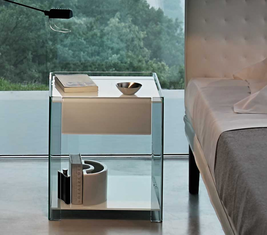 MILO BEDSIDE TABLE IN CURVED GLASS BY ILARIA MARELLI
