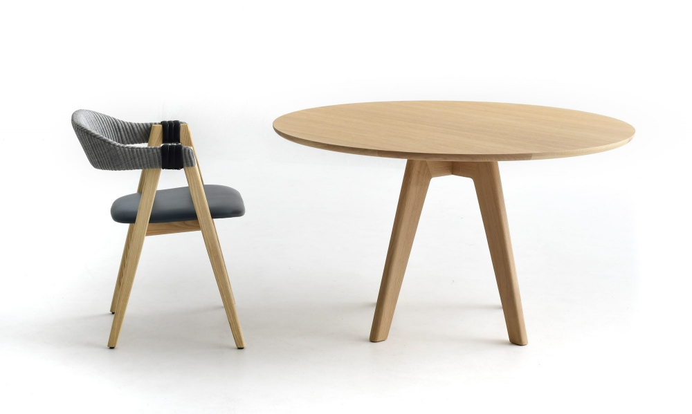MATHILDA ROUND TABLE BY PATRICIA URQUIOLA, 2019