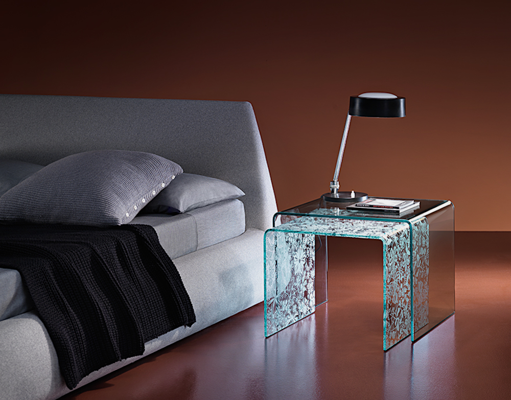 RIALTO TRIS SET OF BEDSIDE TABLES IN CURVED GLASS BY CRS FIAM