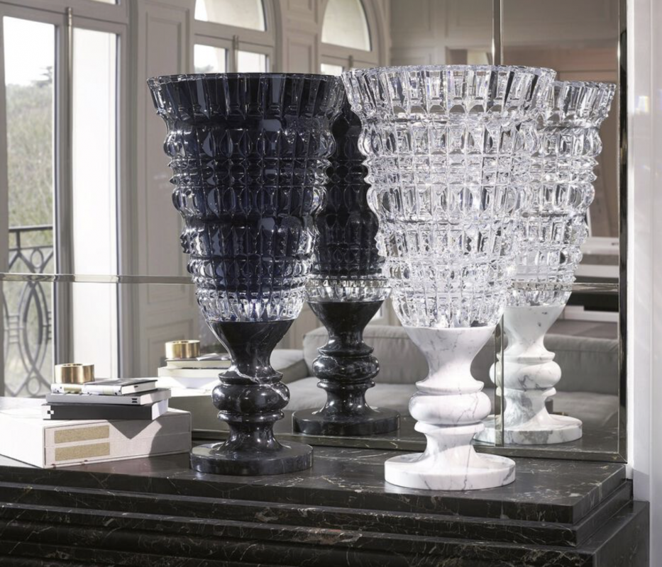NEW ANTIQUE vase by MARCEL WANDERS.This exquisite hand-blown clear crystal vase mounted on a stylish white marble base.