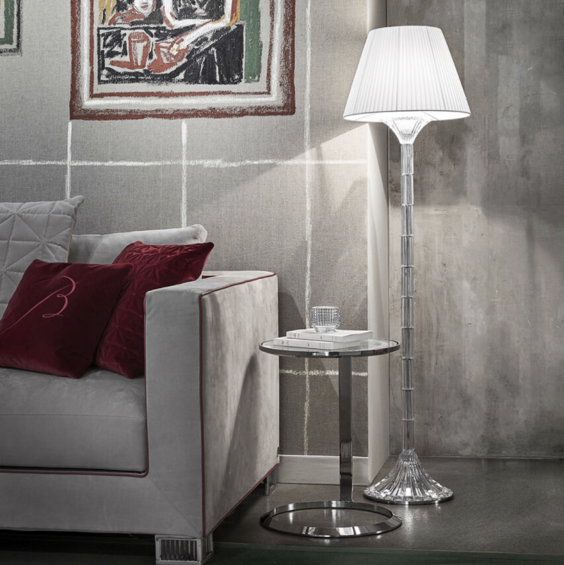 Created by Mathias, the Mille Nuits reading lamp honors the crystal, beveled along the entire length of the base. The Mille Nuits floor reading lamp uses the same aesthetic timeless vocabulary than the chandeliers, candelabra and wall units of the collection. Baroque and modern at the same time, it decorates elegantly bedrooms, living rooms or desk spaces.