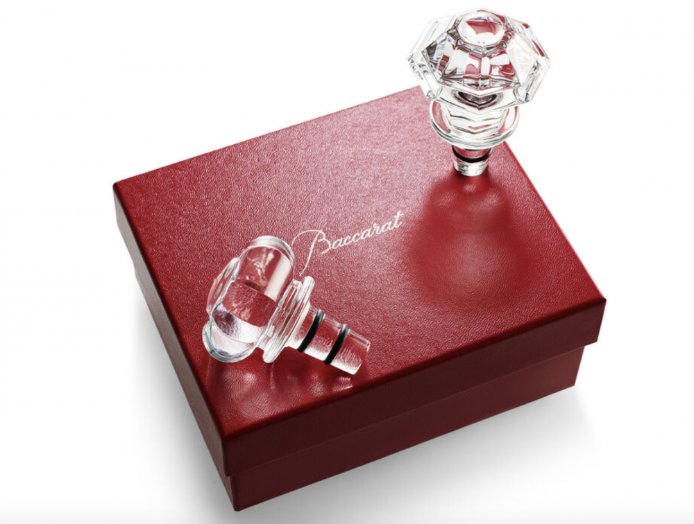 The TIP TOP gift set is the indispensable accessory for all wine enthusiasts. A pair of crystal stoppers as a gift with your favourite wine.   The ingenious TIP TOP adds a touch of glitz to every bottle, and a shade of elegance to your dinner table. Price 205€.